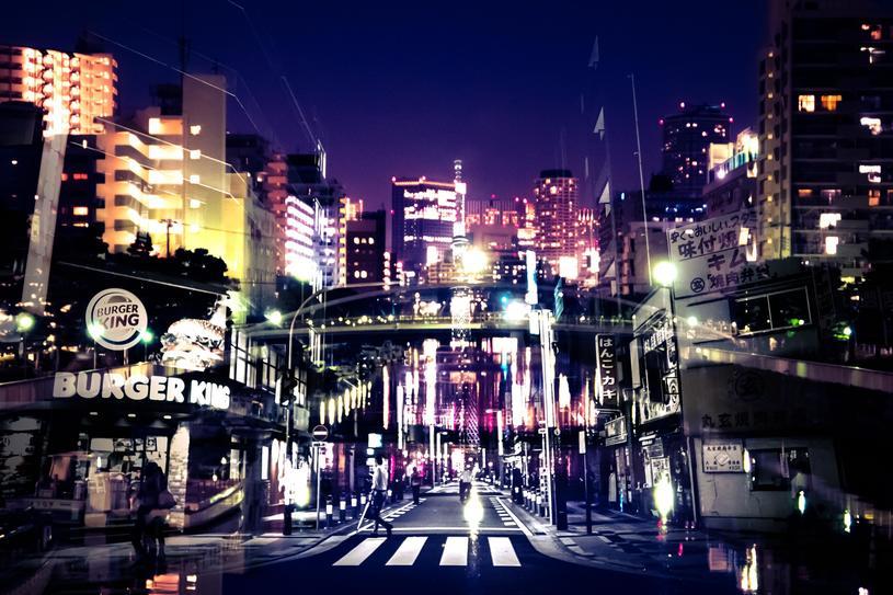 夜の繁華街にはデリヘルがある